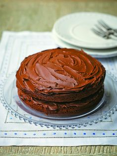 Tana's Chocolate Fudge Cake And this is the last one from this list. I hope you liked my choice of this fabulous chocolate cakes. Now all you need to do is to get in the kitchen and start cooking. Easy Sponge Cake Recipe, Sponge Cake Recipes, Dessert Cake Recipes, Sweet Desserts, Easy Chocolate Fudge Cake, Delicious Chocolate, Chocolate Recipes, Chocolate Cakes, Chocolate Heaven
