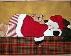 Papai Noel - Caixa em Patchwork embutido Christmas Paintings, Christmas Art, Christmas Projects, Applique Patterns, Paper Piecing Patterns, Grinch Christmas Decorations, Christmas Scrapbook, Star Ornament, Patch Quilt