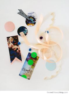 Make lovely gift tags from magazine pages - via the red thread Paper Packaging, Pretty Packaging, Craft Gifts, Diy Gifts, Crafts To Make, Fun Crafts, Packing, Beautiful Gifts, Homemade Gifts
