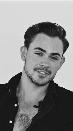 Stranger Things Characters, Stranger Things Quote, Dacre Montgomery, Poppy Montgomery, Cute White Boys, Pretty Boys, Hot Actors, Actors & Actresses, Power Rangers