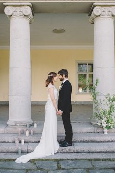 A beautiful styled shoot full of elegant minimal wedding inspiration, pretty details and stylish contemporary design