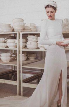 La nueva colección de novia de Cherubina, Porcelaine - Las bodas de Tatín Half Sleeves, Perfect Wedding, White Dress, Wedding Dresses, Long Sleeve, Wedding Ideas, Style, Fashion, Simple Gowns