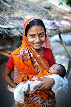 smiling Indian Mother with her Newborn Baby Snacks For Work, Healthy Work Snacks, Turbans, Indiana, Mother India, Summer Makeup Looks, People Of The World, Mother And Child, Mothers Love