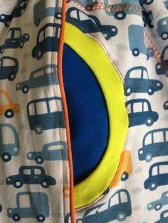 Guttebukse med bisebånd. Mønster fra Heilt spesiell og jubel med liten vri. @henriettemunthe
