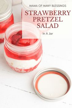 This Strawberry Pretzel Salad in a Jar is just about the tastiest little  treat ever. And since each individual portion is made up in their own  individual jar, it's always a hit with the kids, too! This means that  everyone gets the same size and there's no fighting at all. Strawberry Buttercream, Strawberry Cupcakes, Strawberry Desserts, Canning Recipes, Crockpot Recipes, Dessert Dishes, Dessert Recipes, Fun Ideas, Meal Ideas