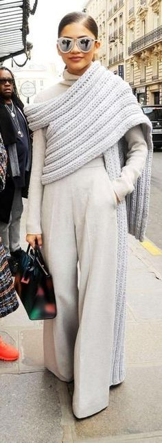 winter Pants 2019 best outfits Hi you see how to make this very stylish h., winter Pants 2019 best outfits Hi you see how to make this very stylish headband ? How to make a braided headband with skewers I will tell you tha. Look Fashion, Winter Fashion, Womens Fashion, Fashion Clothes, Crochet Capas, Palazzo Trousers, Knit Wrap, Mode Hijab, Mode Inspiration