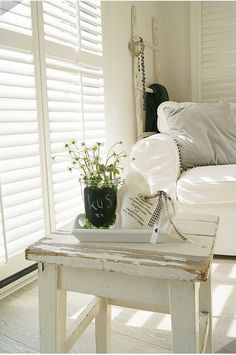 .Love the window coverings.  love the table.  love it all,