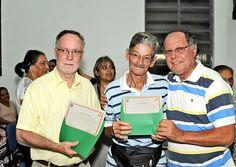 A comunidade do Jardim Sônia, em Piracicaba, assinou com a Emdhap, os contratos de venda dos terrenos em que moram.