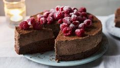 If you really want to impress, get Mary Berry on the case. Her rich, indulgent chocolate mousse cake is easy to make ahead and keep ready in the freezer. Christmas Chocolate, Christmas Desserts, Mary Berry Christmas Cake, Christmas Cooking, Christmas Recipes, Christmas Time, Mary Berry Chocolate Mousse, Mary Berry Chocolate Cake, Mary Berry Desserts