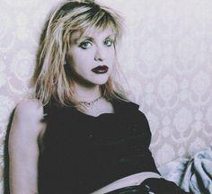 df3c67f1 Courtney photographed in Osaka, JP, January 29, 1995. Frances Bean Cobain,