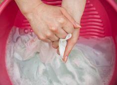 4 soluções inteligentes para lavar panos de prato manchados ou engordurados