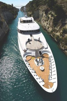This is a Luxury Yacht named 'Archimedes' and it's in the Corinth Canal, Greece, just chilling. Yacht Design, Super Yachts, Speed Boats, Power Boats, Wallpaper Cars, Yachting Club, Bateau Yacht, Corinth Canal, Corinth Greece