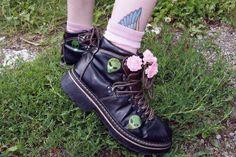 Imagen de grunge, alien, and flowers