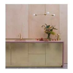 Brass kitchen from Custom Fronts with pink work surface and peach accents Plywood Kitchen, Brass Kitchen, Kitchen Floor, Bathroom Doors, Bathrooms, Brass Bathroom, Bathroom Modern, Ikea Frames, Ikea Cabinets
