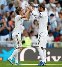 Real Madrid top the table going into the international break Isco, Champions League, Victoria, Carlos Fernandez, Real Madrid Official, Real Madrid Club, Toni Kroos, Fotos Do Instagram, Gareth Bale