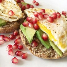 Eating this amazing breakfast and missing my Ali friend who made it for me in Houston last week. I was so unexpectedly spoiled. #englishmuffin #avocado #egg #pomegranateseeds #brunch #ezekielbread #spouted #organic #healthybreakfastideas