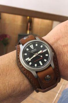 Leather Wallet Pattern, Leather Pouch, Watch Straps, Leather Fashion, Bracelets For Men, Watch Bands, Bracelet Watch, Liquor Dispenser, Jewellery