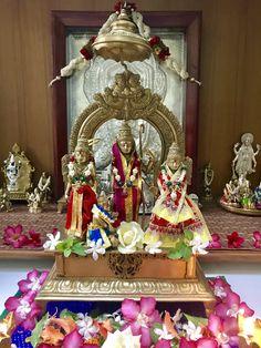 Shree Krishna, Lord Krishna, Lord Shiva, Sri Ram Photos, Jai Sri Ram, Ram Hanuman, Rama Sita, Lord Jagannath, Silver Lamp