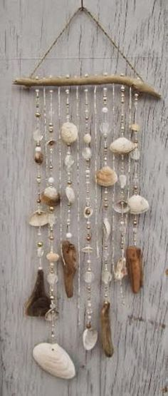 Do it yourself ideas and projects: 50 Magical DIY Ideas with Sea Shells shell crafts Seashell Art, Seashell Crafts, Beach Crafts, Diy Crafts, Seashell Wind Chimes, Seashell Projects, Driftwood Mobile, Driftwood Crafts, Seashell Mobile
