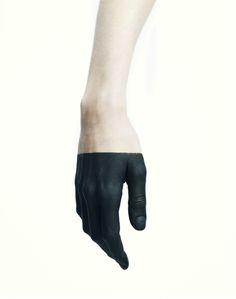 . gloves black paint