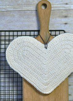 Pot holder - wall hanging - table deco - trivet - nordic - scandinavian style -crochet -  wool - white