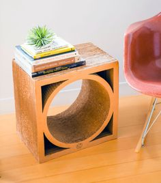 How cool is this quirky cardboard side table?