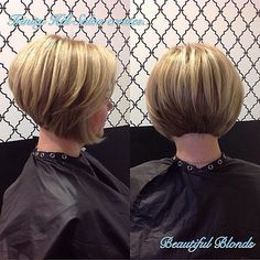 Graduated Bob Back View - Haare - Cheveux Bob Haircuts For Women, Short Bob Haircuts, Short Hairstyles For Women, Everyday Hairstyles, Hairstyle Short, Inverted Bob Hairstyles, Hairstyles Haircuts, Medium Hairstyles, Black Hairstyles