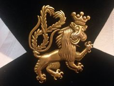 Lion Brooch with Crown and Heart by GENEVEVES on Etsy