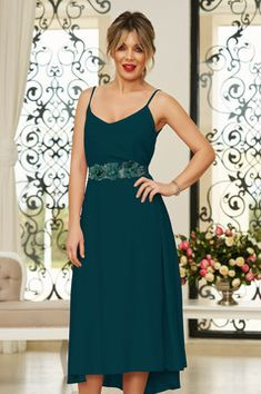 StarShinerS green occasional midi dress from veil fabric with v-neckline with straps accessorized with tied waistband Baptism Dress, Dress Cuts, Bridesmaid Dresses, Wedding Dresses, Occasion Dresses, Size Clothing, Veil, New Dress, Dress Outfits