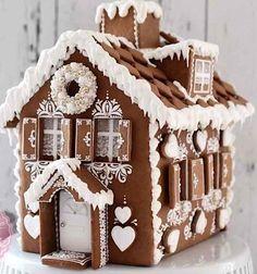gingerbread house www. gingerbread house www. Graham Cracker Gingerbread House, Cool Gingerbread Houses, Gingerbread House Designs, Gingerbread House Parties, Gingerbread Village, Gingerbread Decorations, Christmas Gingerbread House, Gingerbread Cookies, Christmas Cookies