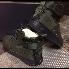 timeless design 81cb4 2e0d8 Nike Shoes   Brand New Air Force One Nike Boot. Mens Size 9.   Color  Green    Size  9
