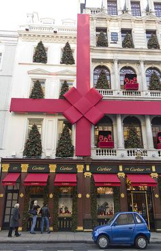 Christmas in Cartier London. I love how this city decorates for Christmas!
