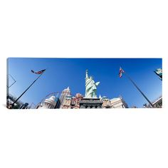 """East Urban Home Panoramic Replica Statue of Liberty, Las Vegas, Nevada Photographic Print on Canvas Size: 16"""" H x 48"""" W x 1.5"""" D"""