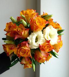 wedding flower from orange roses and white eustoms / svatební kytice z oranžových růží a bílých eustom / www.rosmarino.cz