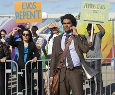 Pin for Later: Heroes Reborn: Meet the Old and New Characters in Pictures from the Reboot  Sendhil Ramamurthy has also returned as Mohinder Suresh.