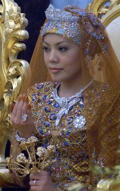 Princess Norain of Brunei. #RoyalTiara of Brunei 2: Diamond tiara