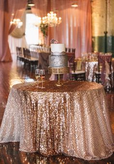 Amazing linens for your cake table. Click to get this same linen and learn more about I Do Linens.