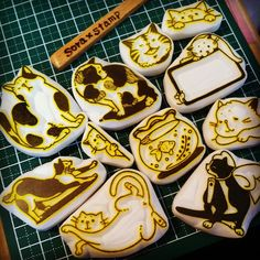 """@mumin0515's photo:""""Barely safe! Quota clear (● ∋ д ∈ ● ;) cat stamp10個☆ \"""
