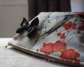 """La trousse à Maquillage lin naturel et coton japonais """"cerisier"""" : Trousses par mlle-pity-k"""