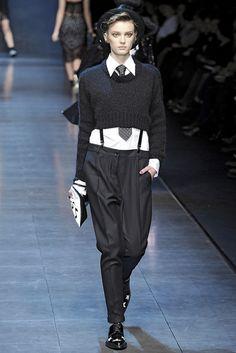 Dolce & Gabbana Milano - Fall Winter Ready-To-Wear - Shows - Vogue.it Model Sigrid Agren Boyish Style, My Style, Black Style, Anna Dello Russo, Milano Fashion Week, Giovanna Battaglia, Sarah Jessica Parker, Fashion Show, Fashion Trends