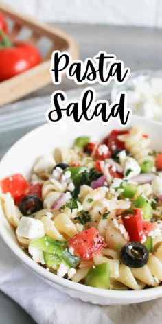 This Classic Pasta Salad is easy to make and is delicious! Perfect for picnics, barbecues and parties! Yummy Pasta Recipes, Delicious Dinner Recipes, Easy Salads, Healthy Salad Recipes, Side Dish Recipes, Lunch Recipes, Picnic Recipes, Breakfast Recipes, Vegan Recipes
