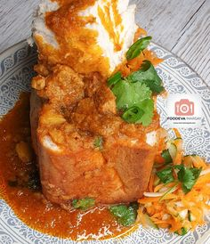 Traditional South African Bunny Chow | Foodeva Marsay South African Bunny Chow, South African Recipes, Ethnic Recipes, Cheese Bread, Chow Chow, Curry, Meals, Traditional, Dishes
