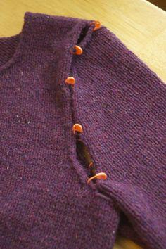 Seaming the dreaded sleeve cap #knittingtips #knittingtutorial #finishing