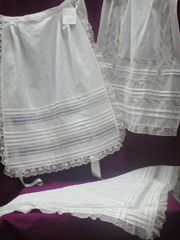 Pañoletas y delantales, por encargo, bainicas a mano, entredoses, alforzar Lace Making, Dress Making, Murcia, Belle Epoque, Apron, Towel, Traditional, Sewing, Beautiful