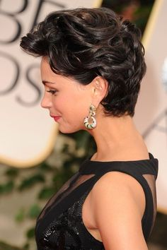 Pics of Morena Baccarin Short Curls Morena Baccarin Hair.look at those luscious curls.look at those luscious curls. Short Curls, Short Wavy, Curly Pixie Cuts, Short Hair Cuts, Morena Baccarin, Short Hairstyles For Women, Pixie Hairstyles, Pixie Haircut, Hair Dos