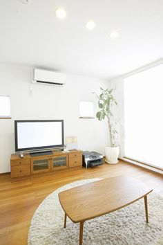 What are the multiple benefits of using ducted air conditioning for your home and office?