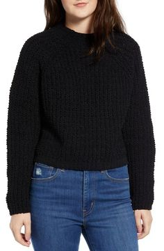 Black Fashion: A Chic All Black Holiday Outfit. Holiday Outfits, Fall Outfits, Fashion Outfits, Black Gucci Belt, Wearing All Black, Fashion Jackson, Retro Look, Cozy Sweaters, Back To Black