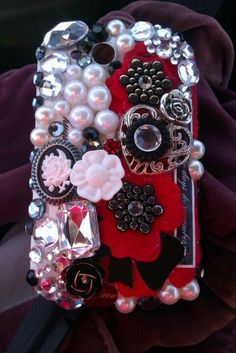 DIY: pearl, gem, Bling Cell phone case, I just had to do it. Can't wait to do another. Just used embellishments from Michaels scrap section and Aleenes Glass and Bead glue.