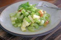 21 Day Food Lovers Cleanse - Smoothie Breakfast, Raw Lunch, and Cooked Veggie Dinner Apple Celery Salad, Healthy Snacks, Healthy Recipes, Veggie Dinner, Just Bake, Breakfast Smoothies, Cucumber Salad, Food Hacks, My Recipes