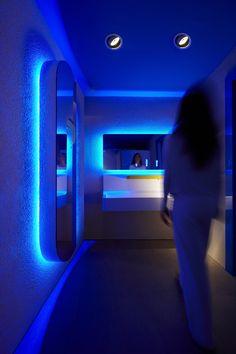 A 1300 m. sul livello del mare prende forma e diventa realtà il sogno dell'arch. #SimoneMicheli. Le #TermeAlte di #Rivisondoli, stabilimento di benessere termale, esprimono effervescenza, rigore e semplicita'. One of the dreams of architect #SimoneMicheli has taken shape and become reality at 1300 m. above sea level. #TermeAlte di #Rivisondoli, a spa and wellness facility, expresses excitement, rigor and simplicity. ph. Jurgen Eheim #simonemicheliarchitect #spa #wellness #bathroom